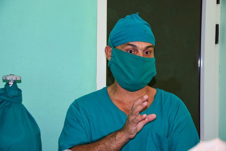 Carlos Fabián Sánchez Pérez, enfermero especializado en cuidados intensivos pediátricos.