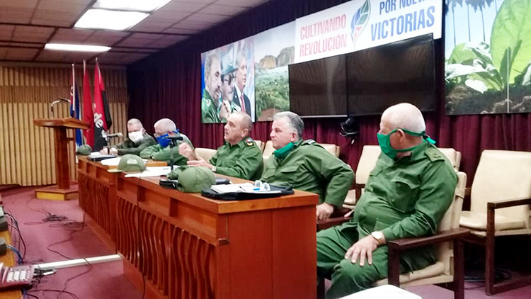 Dirigentes del PCC y el Gobierno en Pinar del Río