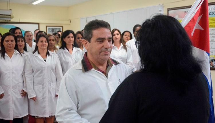 Enfermeras pinareñas en el combate contra la COVID en Granada y Surinam