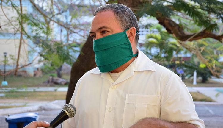 Osmany Lugo Valdés, funcionario de Salud Provincial a cargo del  Centro de Aislamiento / Foto: Januar Valdés Barrios