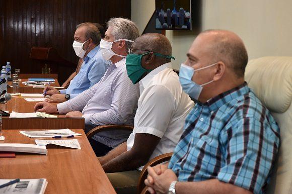 A partir de la etapa de trasmisión autóctona limitada en la que entra el país, el Primer Ministro, Manuel Marrero Cruz, se refirió a un nuevo conjunto de medidas para facilitar el aislamiento social.