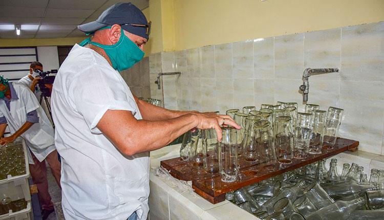 Fábrica de Guayabita del Pinar reabre sus puertas