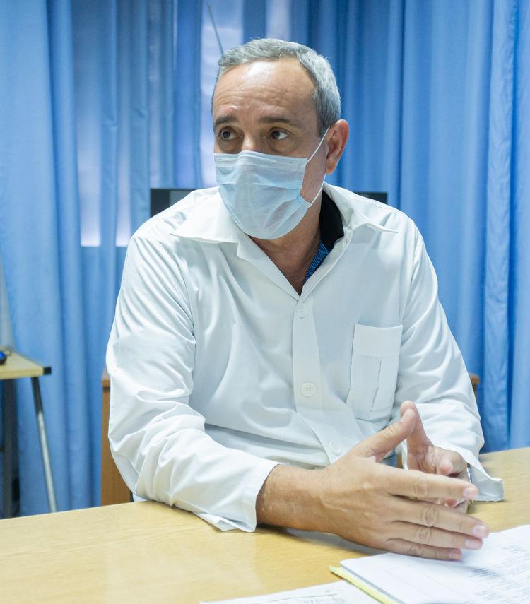 Doctor Juan Eloy Cruz Quesada, director del hospital.