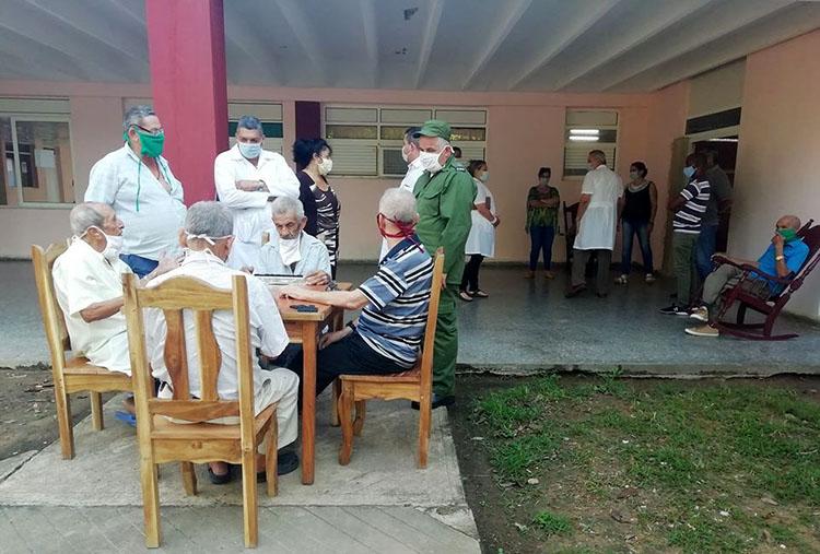 La insatisfacción con la elaboración de los alimentos fue la única queja expresada por los residentes en el hogar de ancianos.