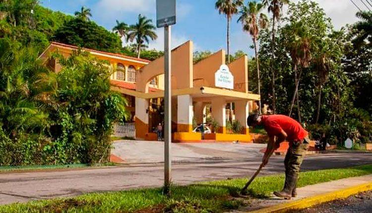 Acometen labores de mantenimiento en instalaciones hoteleras de Pinar del Río