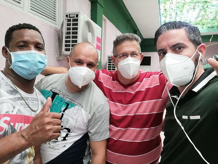 La camaradería del equipo médico es fundamental para el éxito en la lucha contra la pandemia