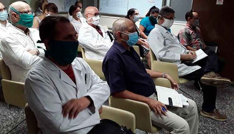 Médicos cubanos generalizan sus experiencias en el enfrentamiento a la COVID-19 y se preparan para futuras etapas