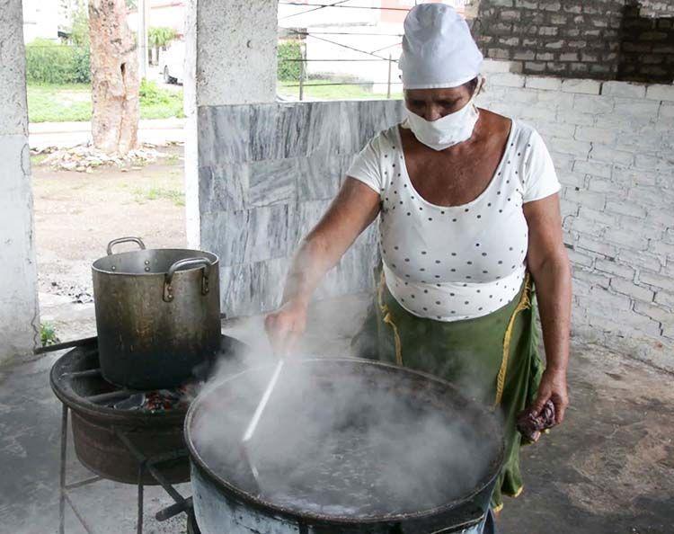 La venta de comidas elaboradas es una de las ofertas de mayor demanda entre la población.