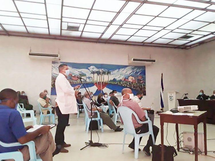 doctor Ariel Godoy del Llano director provincial de Salud