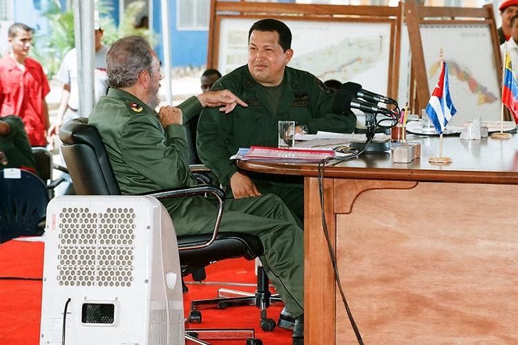 Fidel y Chávez en Sandino, Pinar del Río, el 21 de agosto del 2005, en la celebración del programa de televisión Aló Presidente y la inauguración de Villa Bolívar.