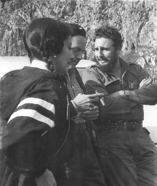 Fidel Castro Ruz con Alicia Alonso en el Valle de Viñales en enero de 1960.