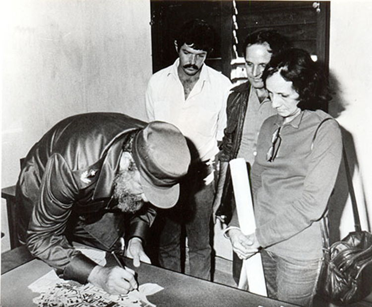 Fidel Castro Ruz, recorrido por Pinar del Río. Proyecto concebido para el nuevo poblado pesquero de La Coloma el 13-03-1989