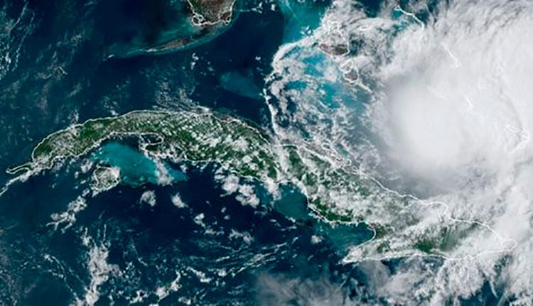 El huracán Isaías al norte del oriente de Cuba el 31 de julio. Imagen: NOAA.