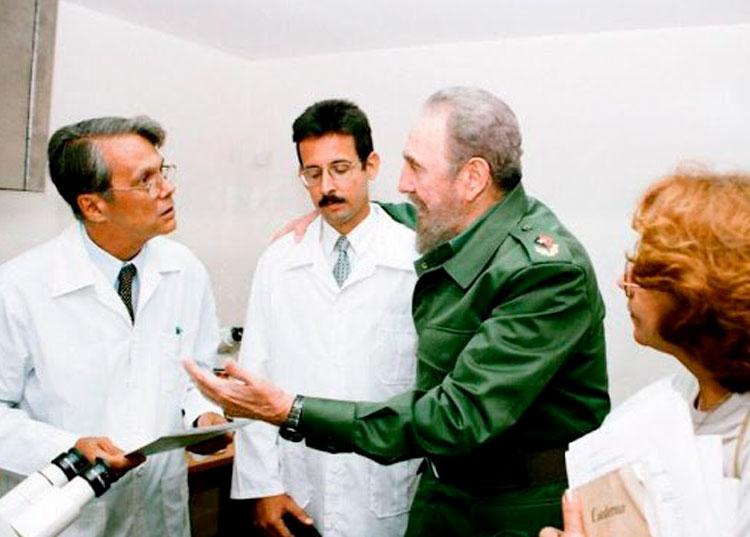 Fidel y los Médicos Cubanos