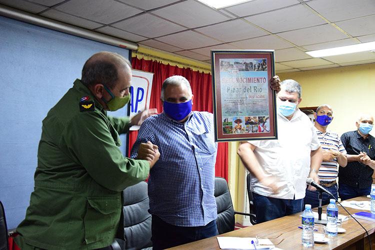 Se le entregó a la provincia de Pinar del Río la condición de destacada en el cumplimiento de las actividades en saludo al Aniversario 60 de la ANAP.