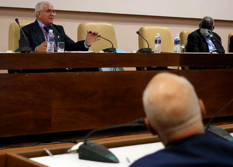 Presenta Proyecto de Ley del Presupuesto 2021 sustanciales novedades