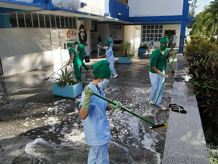 Jornadas de limpieza en la UCM Ernesto Guevara de la Serna.