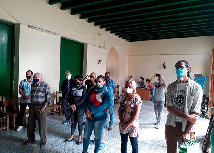 Inauguración del salón  / Foto: Ángel Felipe Machín (tomado de su perfil de fb)