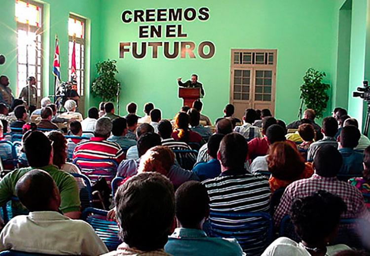 Alocución de Fidel en el acto de reapertura
