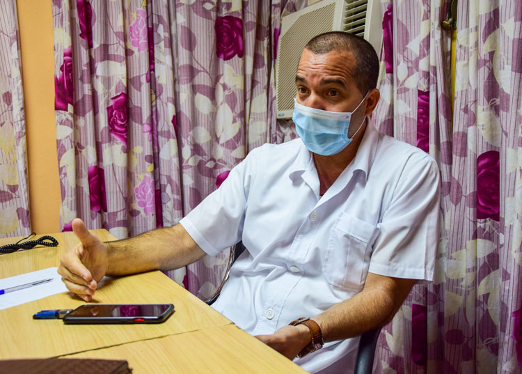 Doctor Yatson Jesús Sánchez Cabrera.