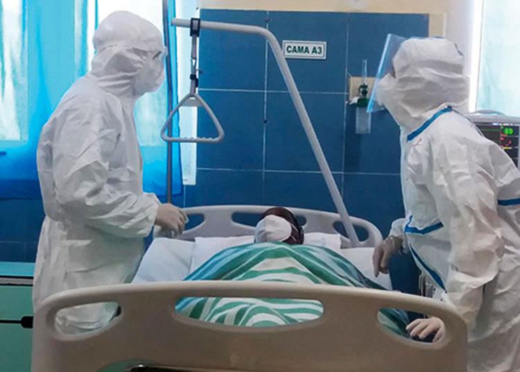 En la sala de Cuidados Intensivos del hospital clínico quirúrgico León Cuervo Rubio garantizan la cobertura médica y mantienen el seguimiento de los enfermos.