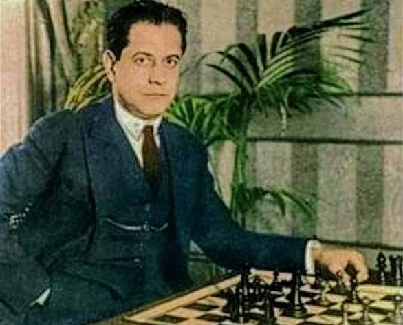 Su libro Fundamentos del ajedrez es de referencia obligatoria para quienes anhelan afinar su juego y formarse como profesionales.