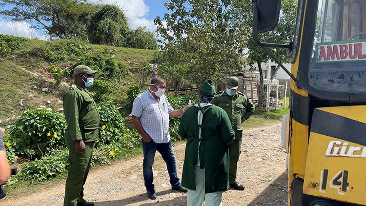Presidente de Consejo de Defensa Provincial en Pinar del Río evalúa escenario epidemiológico.