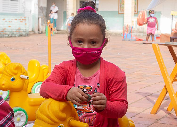 Alejandra y los demás niños del círculo Adela Azcuy Labrador se sienten confiados. / Foto: Jaliosky Ajete Rabeiro