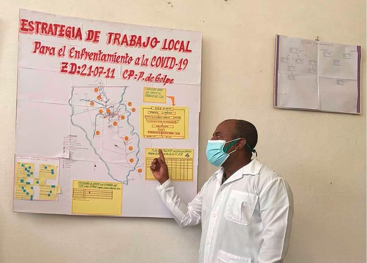 El doctor Teudys explica la situación epidemiológica del Consejo Popular