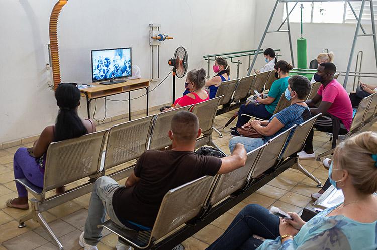 En las salas de espera se han creado todas las condiciones para la estancia de quienes aguardan su turno.