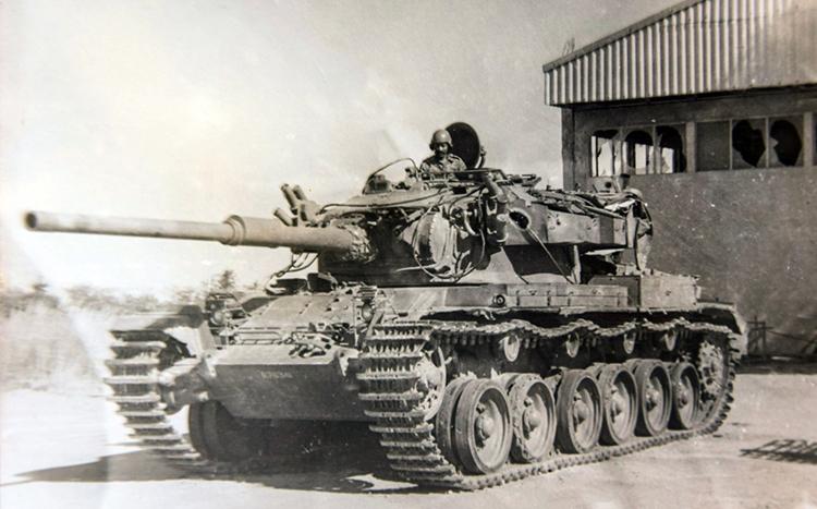 Un tanque sudafricano capturado.