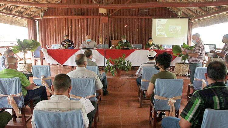 Con la presencia de Jorge Luis Tapia Fonseca, vice primer ministro de la república, se efectuó el chequeo al programa de autoabastecimiento territorial en Pinar del Río.