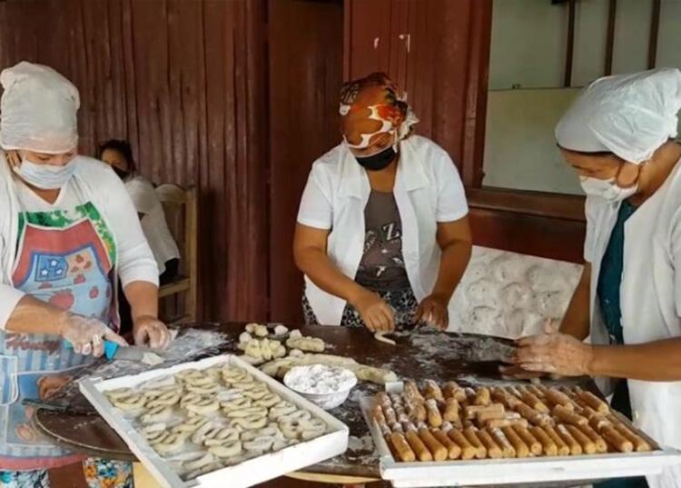 Trabajadores del Ranchón de Manuel Lazo garantizan alimentación durante la cuarentena. / Foto: Radio Sandino