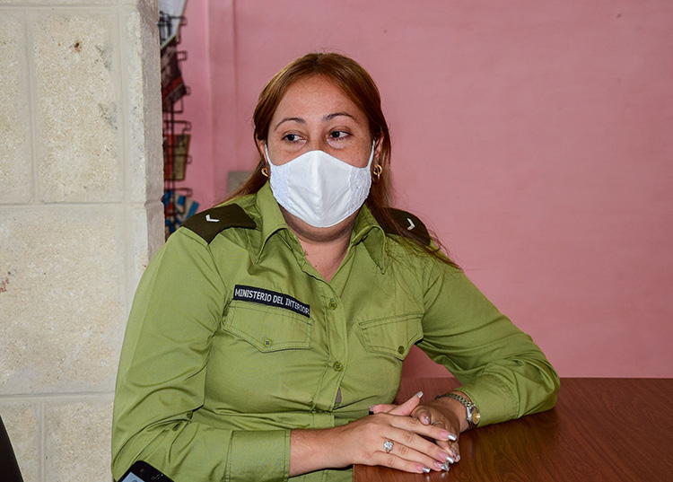 Teniente Iracema Hernández Porras, oficial operativo de la DTI. / Foto: Januar Valdés Barrios