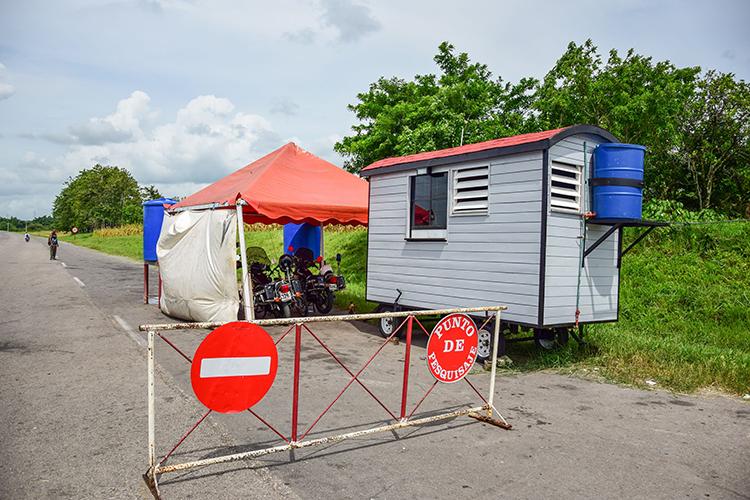 La caseta ubicada en el punto de la Autopista, con baño y aire acondicionado incluidos, fue un donativo del grupo de creación Fidias.