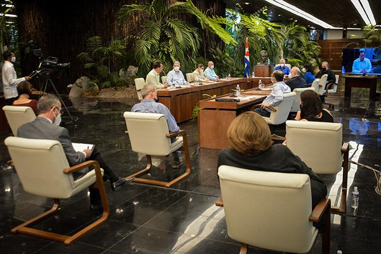 Gobierno cubano ofrece amplia información al pueblo. Foto: Estudios Revolución.