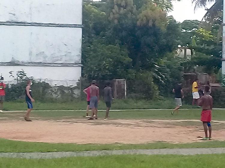 futbol en barrio pinareno