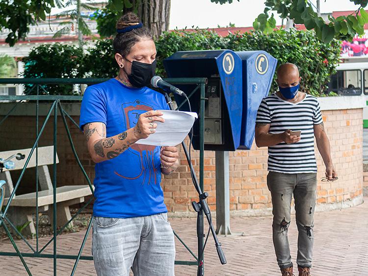 Lázaro Dayron Corvea Cuní, instructor de arte y presidente de la Brigada José Martí en Pinar del Río. / Foto: Jaliosky Ajete