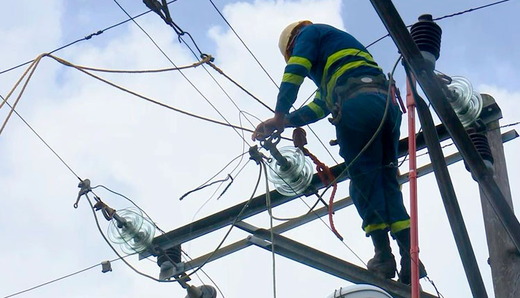 Lista la Empresa Eléctrica en Pinar del Río para enfrentar posibles daños tras Ida