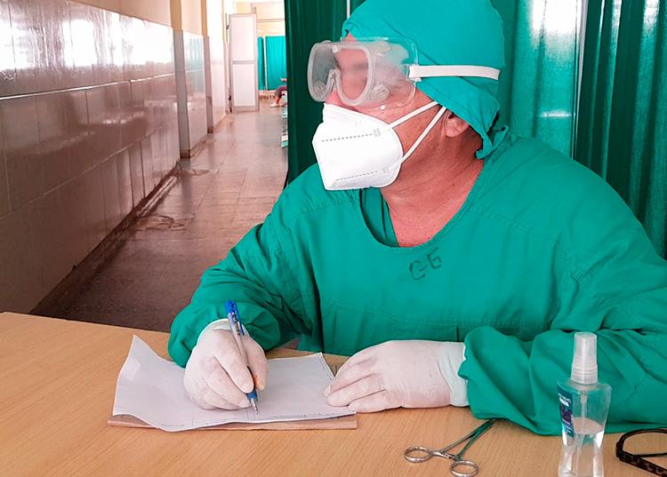 Rolando Castro, caballero de la Enfermería