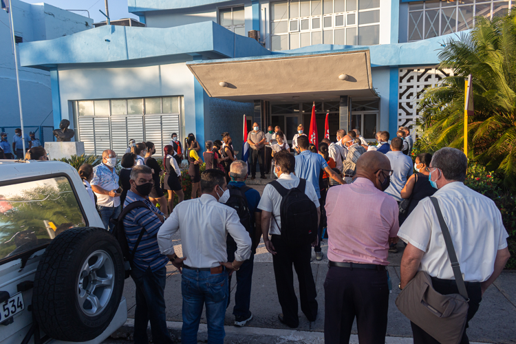 trabajadores de Etecsa en Pinar del Rio editorial del periodico Granma 1