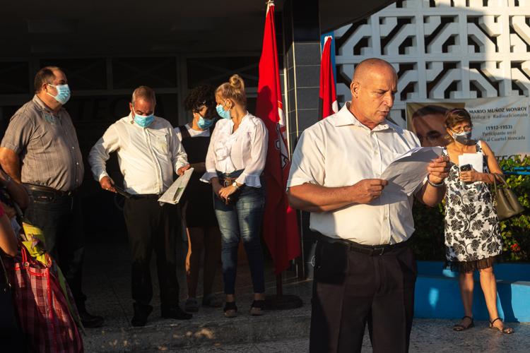 trabajadores de Etecsa en Pinar del Rio editorial del periodico Granma 2