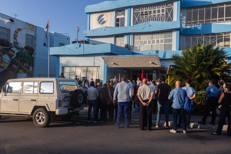 trabajadores de Etecsa en Pinar del Rio editorial del periodico Granma 4