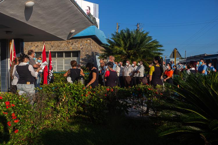 trabajadores de Etecsa en Pinar del Rio editorial del periodico Granma 5